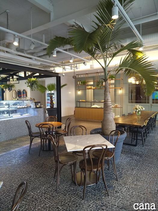 D-CAFE(10).jpg