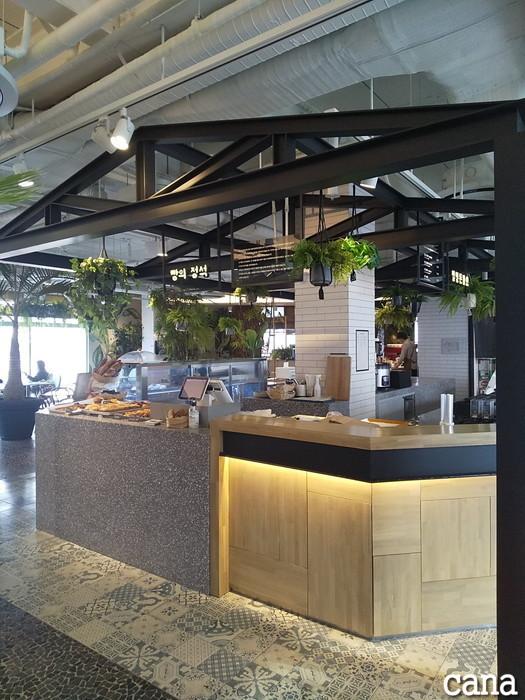D-CAFE(6).jpg